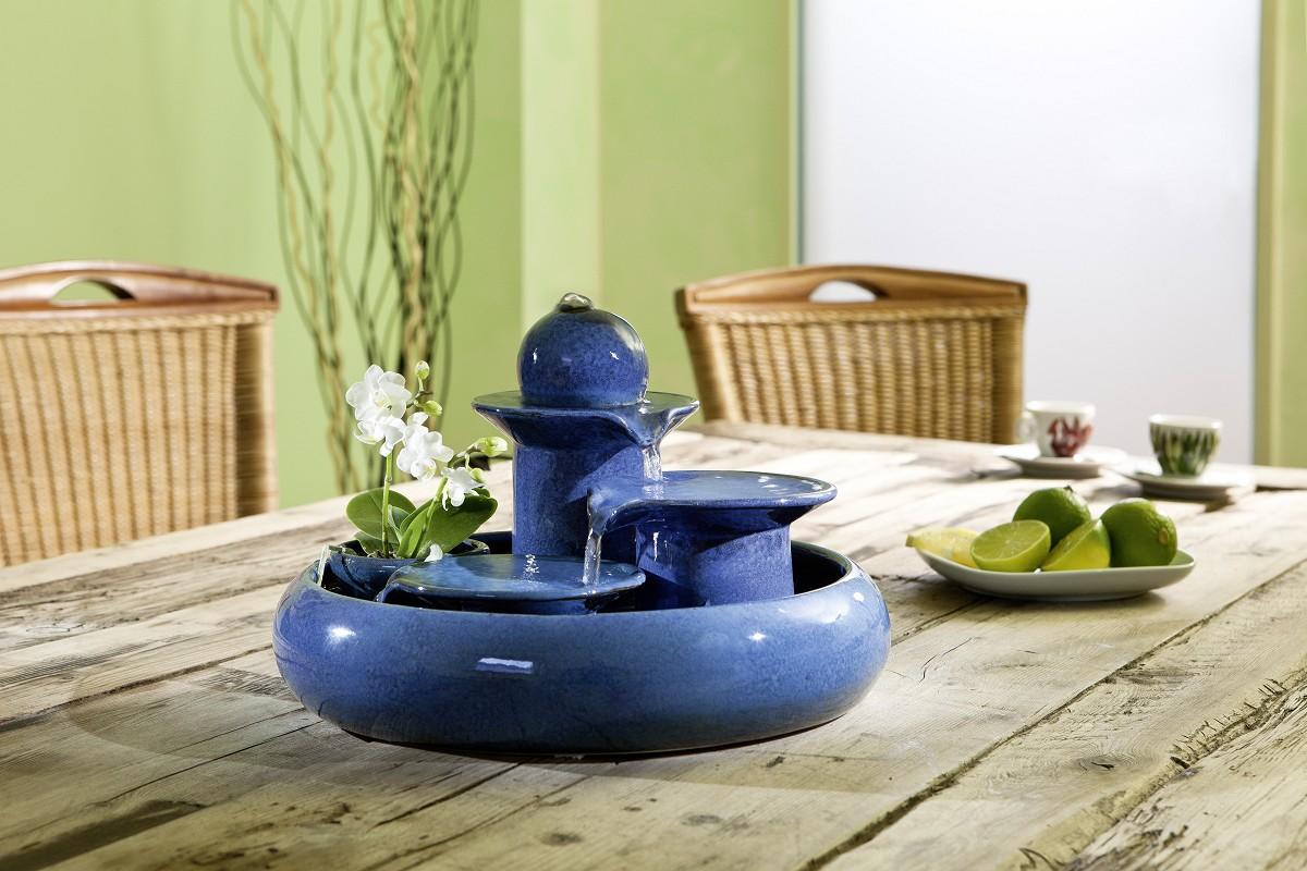 Keramikbrunnen blau jetzt online entdecken for Statue decorative d interieur