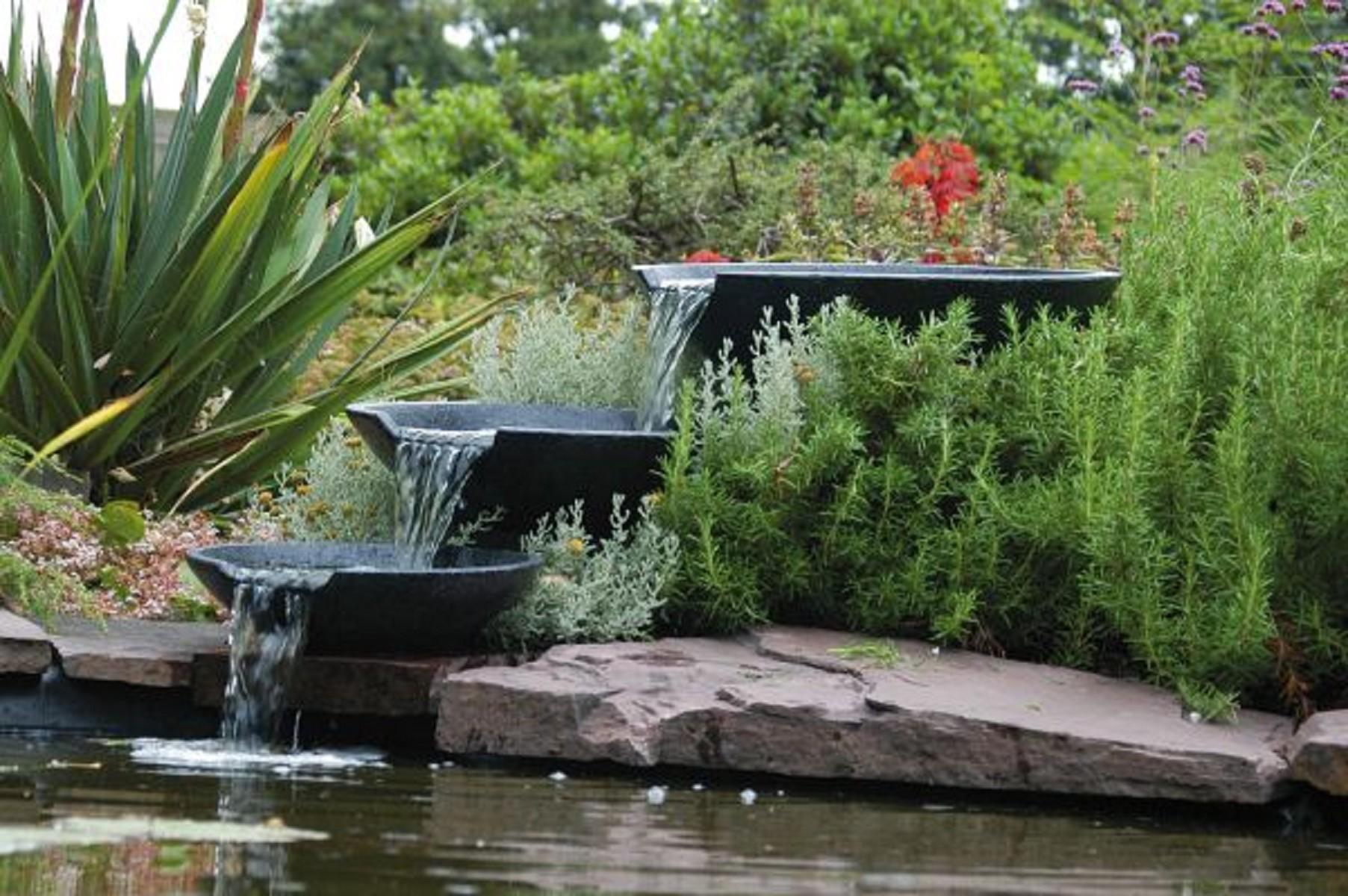 Teich wasserfall perfekt f r ihren wasserteich - Wasserfall gartenteich ...